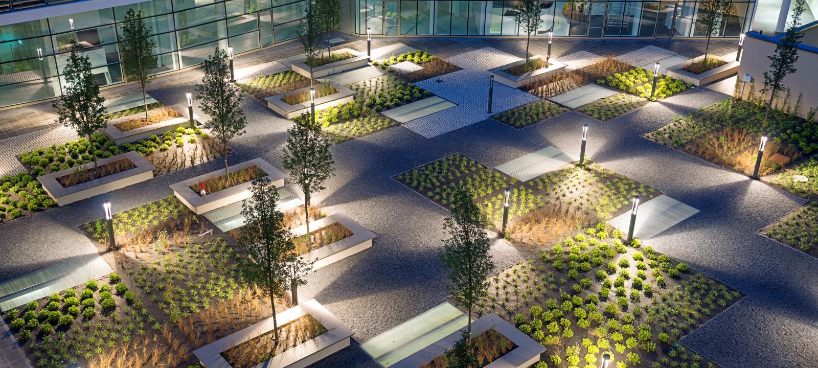 Walkways on Rooftops   ZinCo Arabia   Green Roof Systems